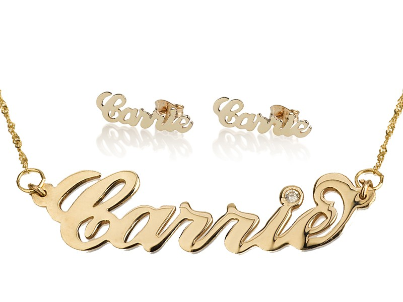 d4bbc08424b134 Set of two jewelry made in gold plated in Carrie style name necklace and  personalized earrings