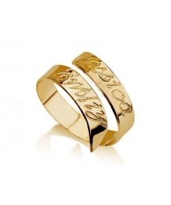 Spiral 2 names engrave ring in 14k gold
